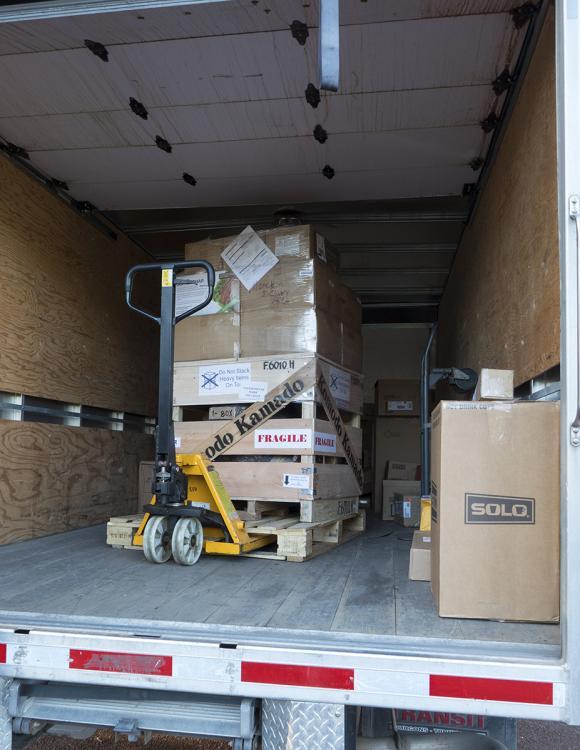 Unloading1.jpg
