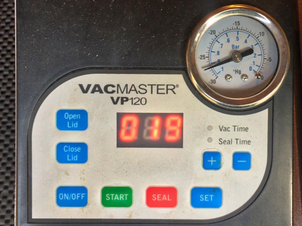 vacuum.thumb.jpeg.28d8a53b8a00628e80909647011ecbb2.jpeg